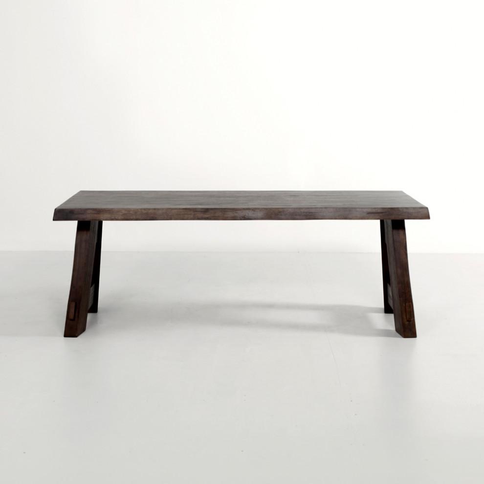 아츠카 테이블