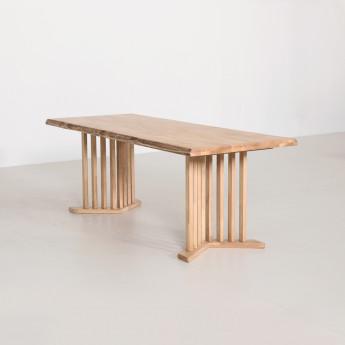 카타이 테이블